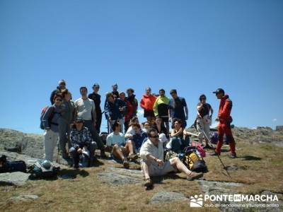 Llegada a la cima de Valdebecerril; excursiones culturales; senderismo
